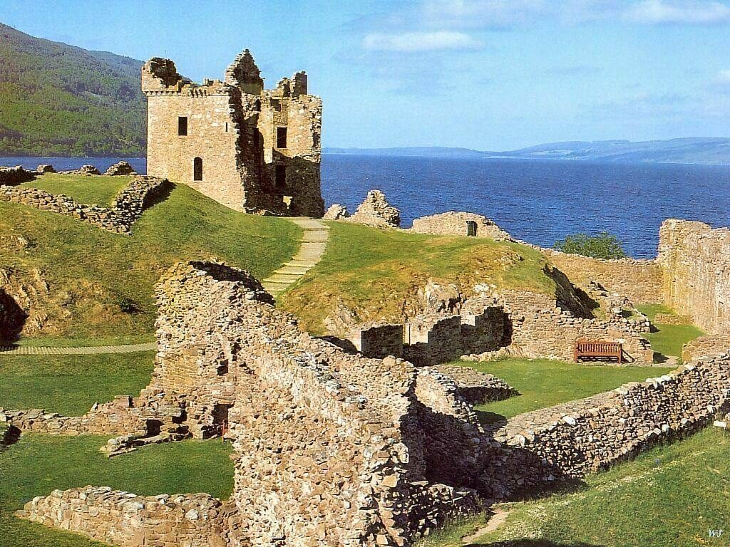 Scotland Self Drive Vacation - Urquhart Castle